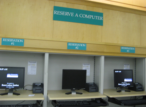 reserve computer at chicago public library